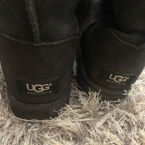 UGG Shoes - Ugg Bailey Button Triplet Genuine Shearling Boot